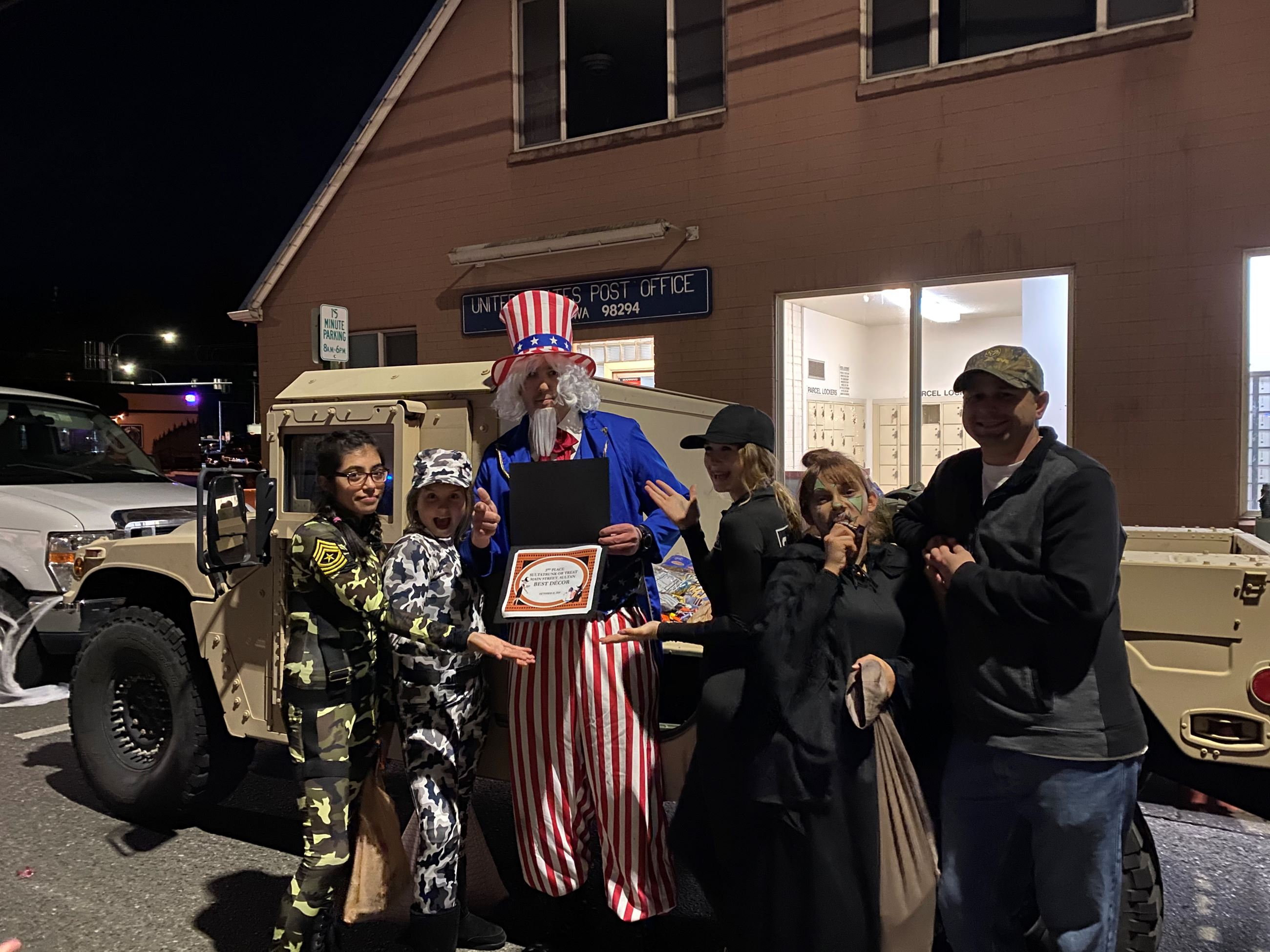 Uncle Sam and His Humvee Best Decor Winners